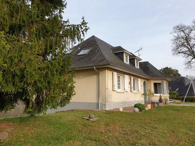 Vente Maison 7 pièces 185m² Gelos (64110) - photo