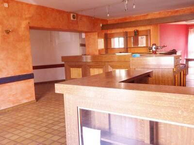 Vente Maison 15 pièces 440m² Saint-Dier-d'Auvergne (63520) - Photo 7