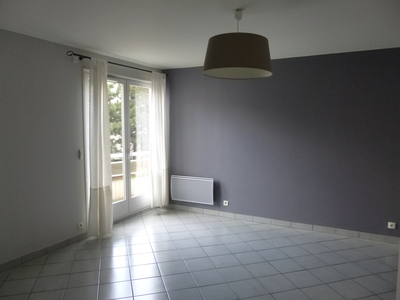 Location Appartement 2 pièces 57m² Saint-Étienne (42100) - Photo 3