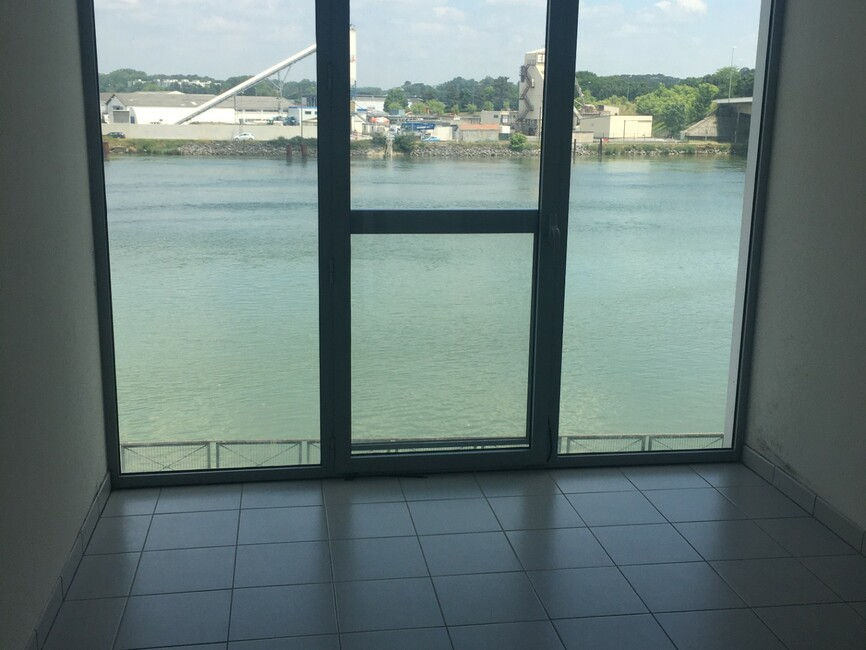 Renting Apartment 2 rooms 43m² Bayonne (64100) - photo