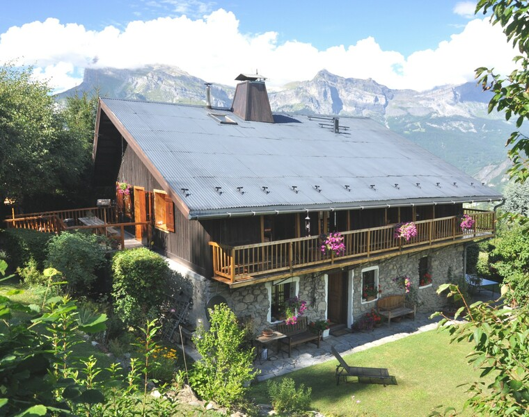 Sale House 9 rooms 308m² Saint-Gervais-les-Bains (74170) - photo