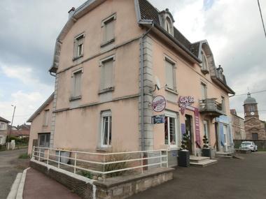 Vente Immeuble 10 pièces 320m² Froideconche (70300) - photo