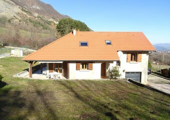 Sale House 6 rooms 117m² Vif - Photo 1