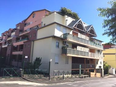 Location Appartement 2 pièces 45m² Sainte-Clotilde (97490) - photo