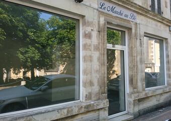 Location Local commercial 1 pièce 45m² Argenton-sur-Creuse (36200) - Photo 1