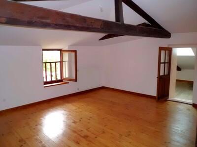 Location Maison 5 pièces 113m² Bellegarde-en-Forez (42210) - Photo 11