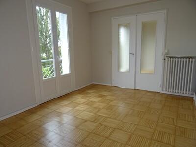 Location Appartement 4 pièces 78m² Pau (64000) - Photo 4