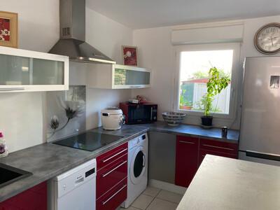 Vente Maison 4 pièces 78m² Saint-Vincent-de-Tyrosse (40230) - Photo 3