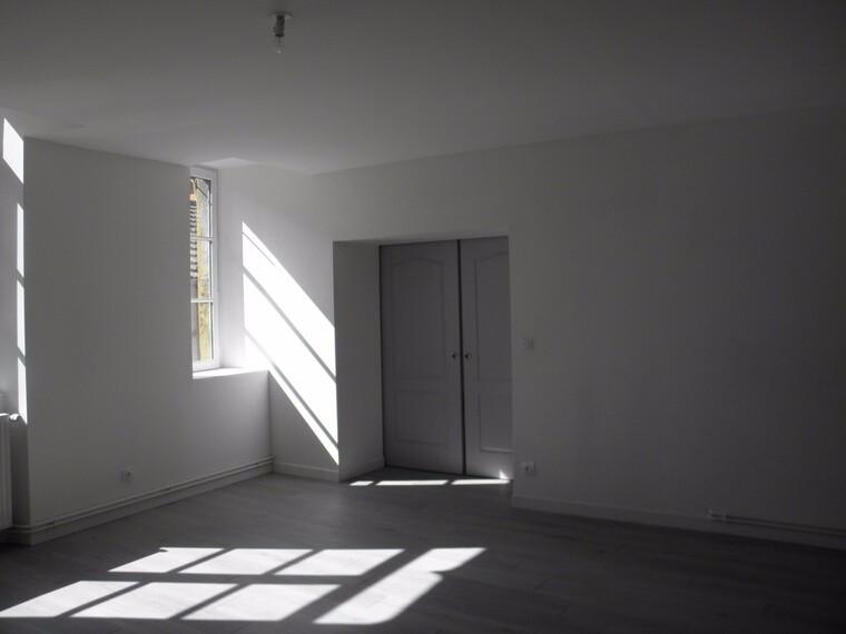 Location Appartement 4 pièces 108m² Charlieu (42190) - photo