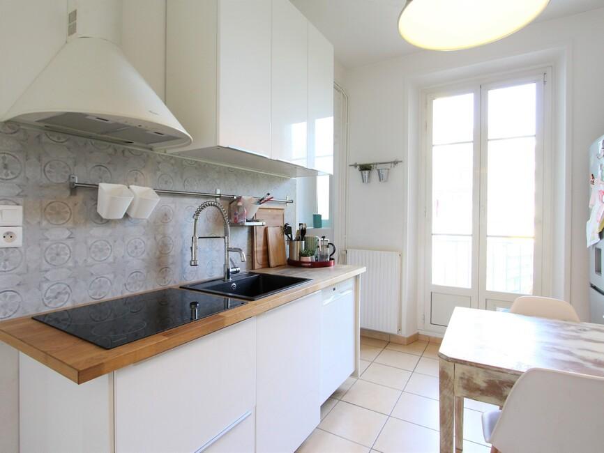 vente appartement 4 pi ces grenoble 38000 394822. Black Bedroom Furniture Sets. Home Design Ideas