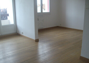 Renting Apartment 4 rooms 72m² Lure (70200) - photo
