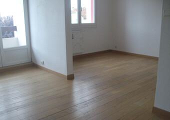 Location Appartement 4 pièces 72m² Lure (70200) - photo