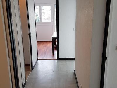Location Appartement 2 pièces 46m² Saint-Étienne (42100) - Photo 14
