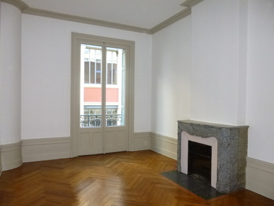 Location Appartement 5 pièces 155m² Saint-Étienne (42000) - Photo 4