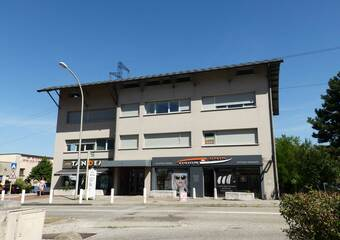 Renting Office 6 rooms 129m² Seyssins (38180) - photo