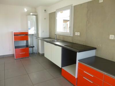 Location Appartement 4 pièces 83m² Lorette (42420) - Photo 4
