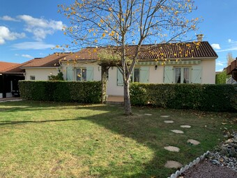 Vente Maison 4 pièces 88m² Saint-Sylvestre-Pragoulin (63310) - Photo 1