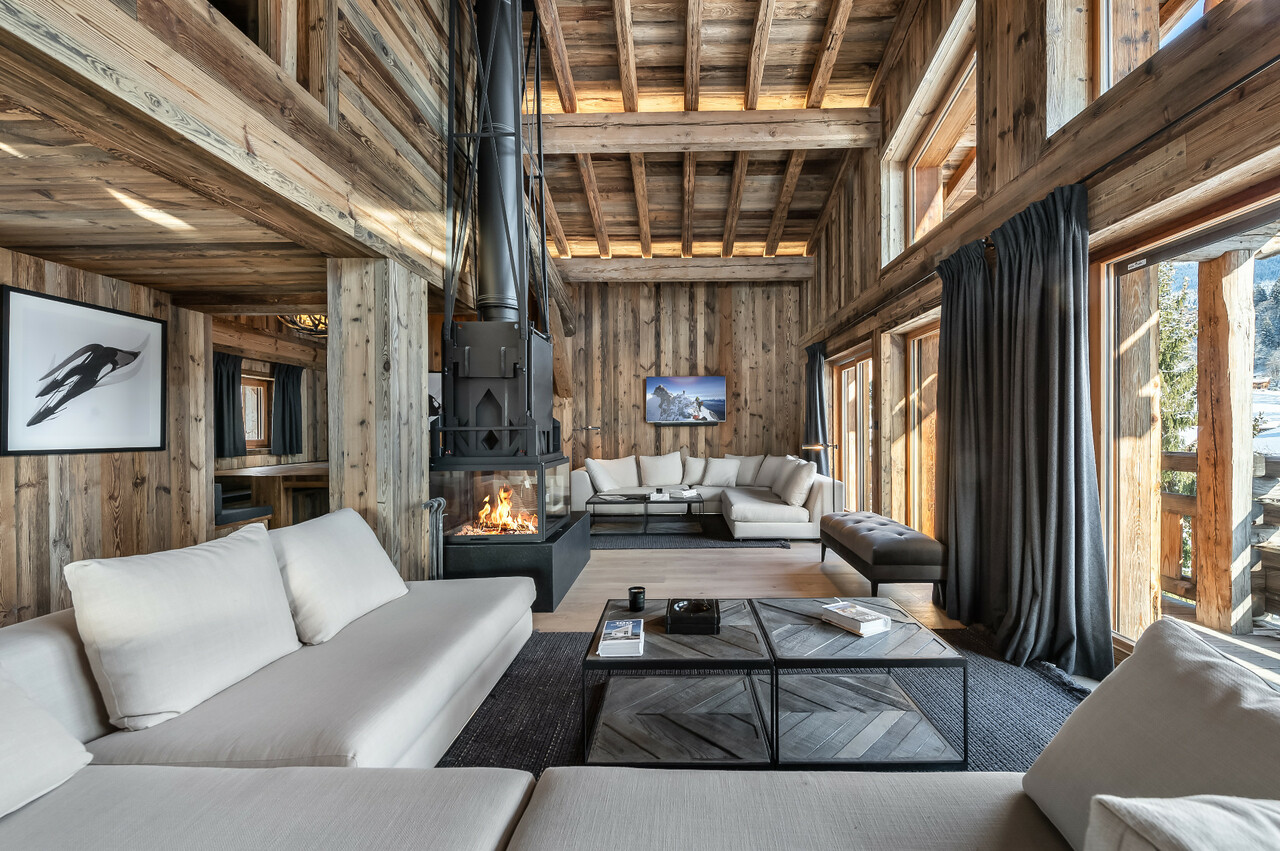 SUPERB AMENITIES FOR THIS CHALET CLOSE TO THE MEGEVE CENTRE Chalet in Megeve