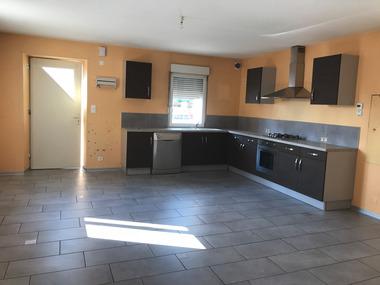 Location Appartement 4 pièces 120m² Saint-Sauveur (70300) - photo