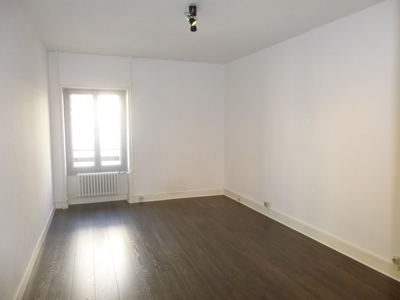 Location Appartement 2 pièces 62m² Saint-Étienne (42000) - Photo 3