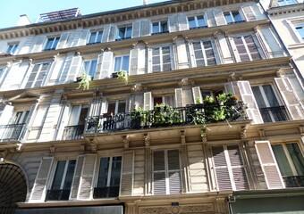 Sale Apartment 4 rooms 61m² Paris 10 (75010) - Photo 1