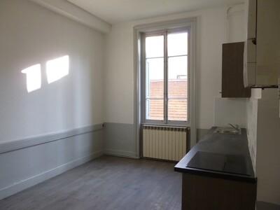 Location Appartement 3 pièces 97m² Saint-Étienne (42000) - Photo 6