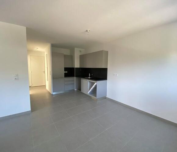 Location Appartement 3 pièces 62m² Saint-Martin-d'Hères (38400) - photo