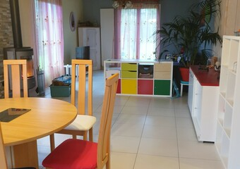 Sale House 6 rooms 144m² Saint-Hilaire-de-Chaléons (44680) - photo