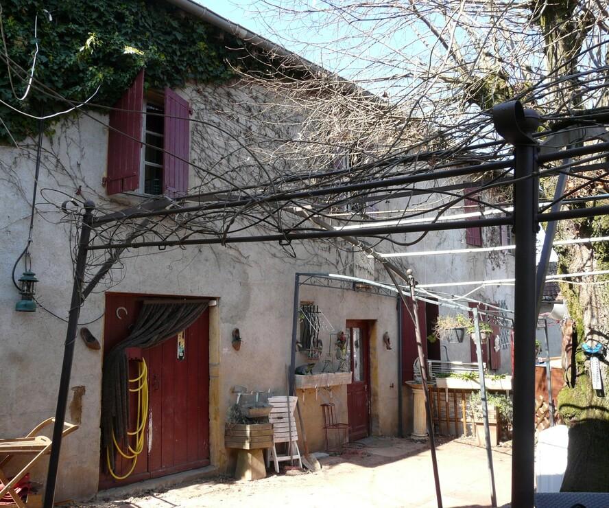 Vente Maison 135m² Entre Charlieu et Cours. - photo