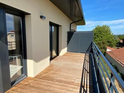 Location Appartement 3 pièces 67m² Savigneux (42600) - photo