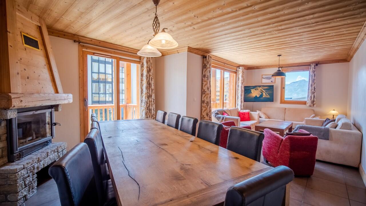 SKI-IN SKI-OUT APARTMENT IN THE SKI RESORT Chalet in Val Thorens