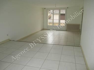 Location Maison 6 pièces 129m² Larche (19600) - photo