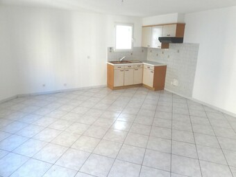 Location Maison 4 pièces 75m² Pia (66380) - Photo 1
