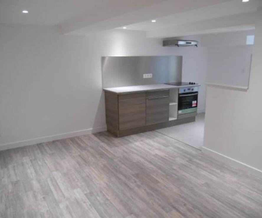 Location Appartement 3 pièces 59m² Cours-la-Ville (69470) - photo