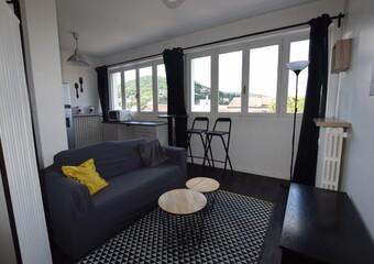 Location Appartement 1 pièce 32m² Royat (63130) - photo