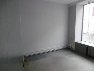 Location Bureaux 5 pièces Billom (63160) - Photo 15