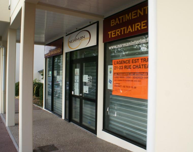 Location Local commercial 69m² Notre-Dame-de-Gravenchon (76330) - photo