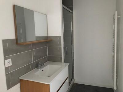 Location Appartement 3 pièces 35m² Saint-Étienne (42000) - Photo 2