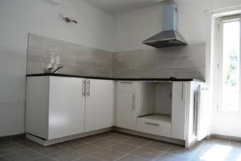 Location Appartement 2 pièces 43m² Jouques (13490) - photo