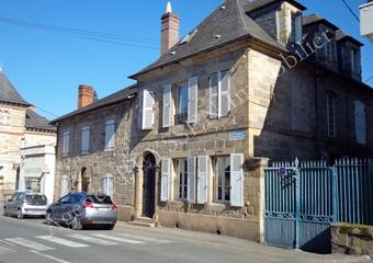 Vente Maison 11 pièces 303m² Brive-la-Gaillarde (19100) - Photo 1