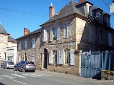 Vente Maison 11 pièces 303m² Brive-la-Gaillarde (19100) - photo