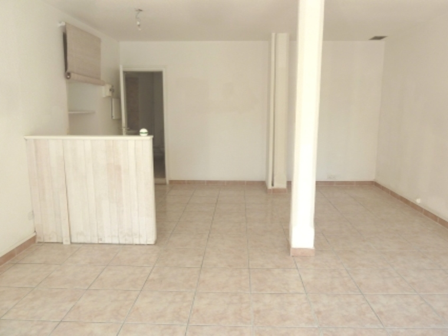 Location Local commercial 1 pièce 35m² Saint-Laurent-de-la-Salanque (66250) - photo