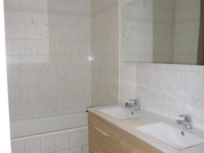 Location Appartement 3 pièces 97m² Saint-Étienne (42000) - Photo 5