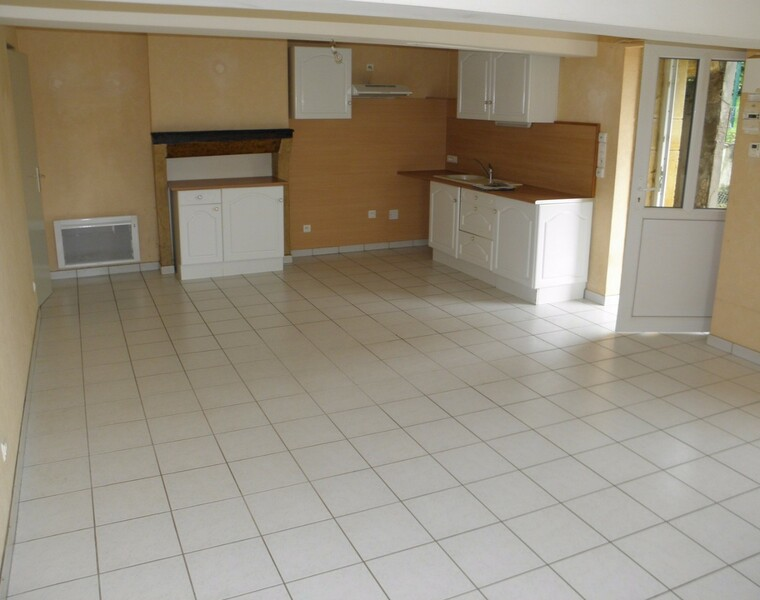 Location Maison 92m² Chandon (42190) - photo