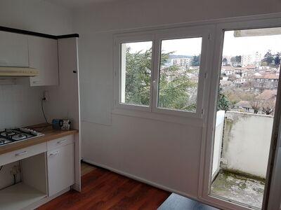 Location Appartement 2 pièces 46m² Saint-Étienne (42100) - Photo 11