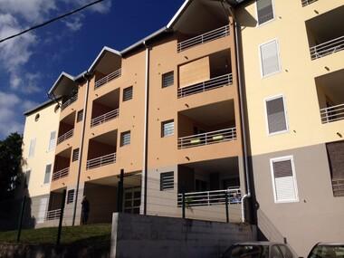 Location Appartement 2 pièces 51m² Bois-de-Nefles-Sainte-Clotilde (97490) - photo