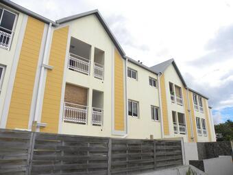 Location Appartement 3 pièces 67m² Sainte-Clotilde (97490) - photo