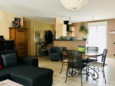 Vente Maison 4 pièces 83m² Quincié-en-Beaujolais (69430) - photo