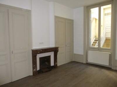 Location Appartement 3 pièces 70m² Saint-Étienne (42000) - Photo 6