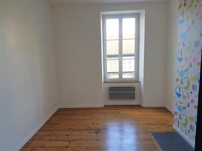Location Appartement 4 pièces 89m² Pau (64000) - Photo 2